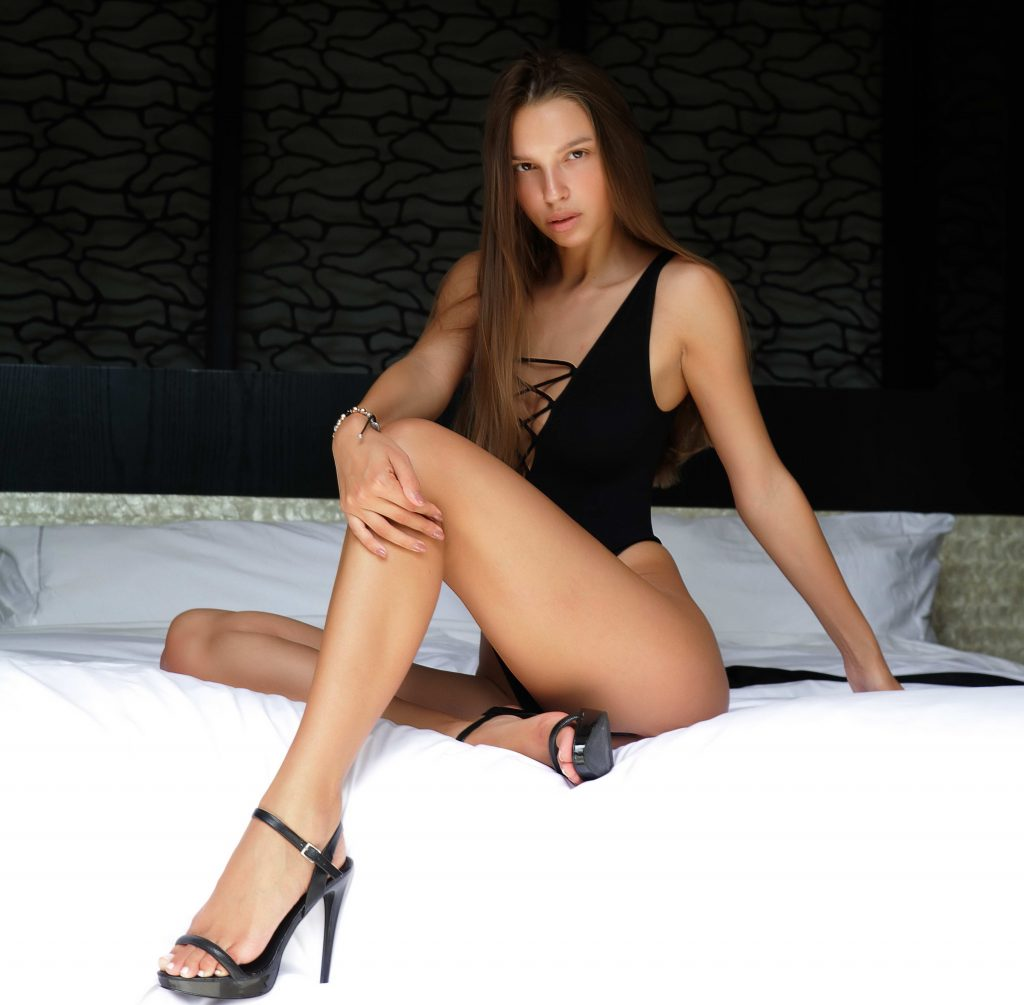 Leggy Escorts by Ponju