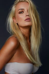 Nancy Blonde Escort in London