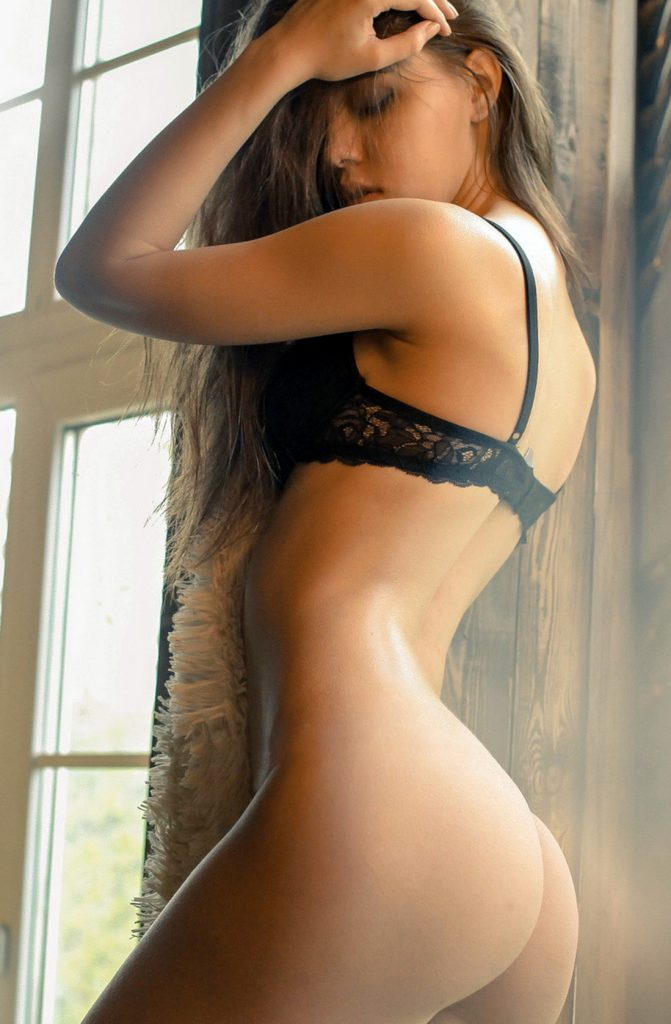 Tall and Sexy Cheap London Escorts